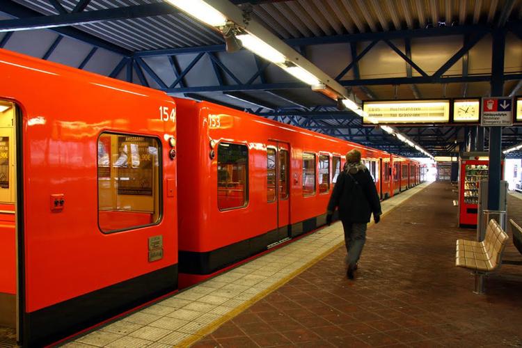 http://e-finland.ru/media/images/img_11/helsinki_metro_big.jpg