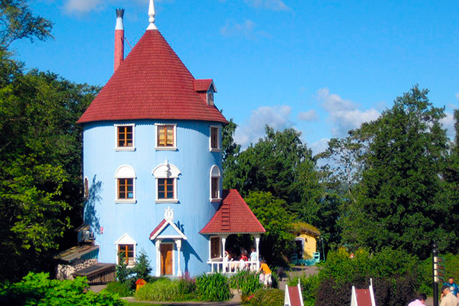 moominworld house big