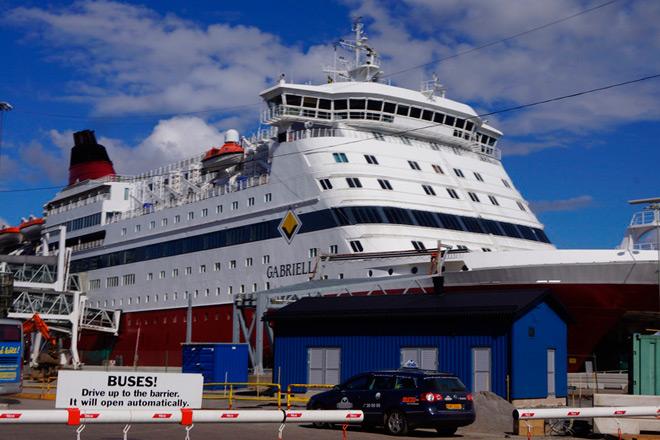 Паром Габриэлла. Полмиллиона туристов в Хельсинки ежегодно прибывают в город по морю.