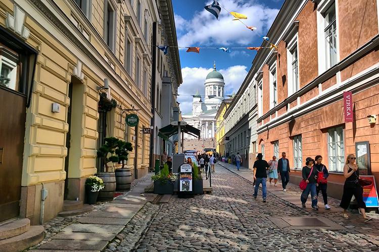 http://e-finland.ru/media/images/img_11/2273-helsinki-streets.jpg