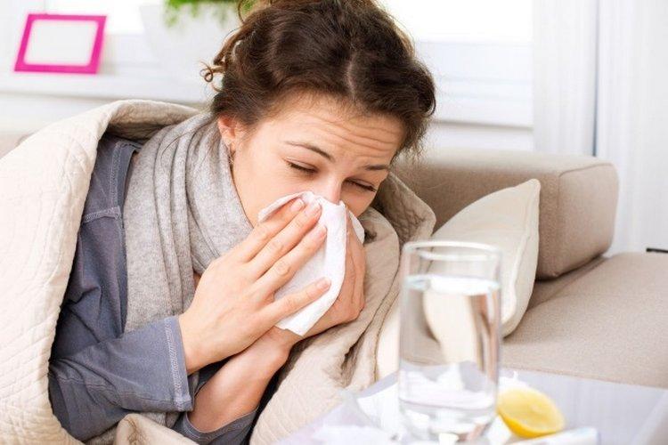 Не рекомендуется переносить заболевания на ногах – лучше остаться дома
